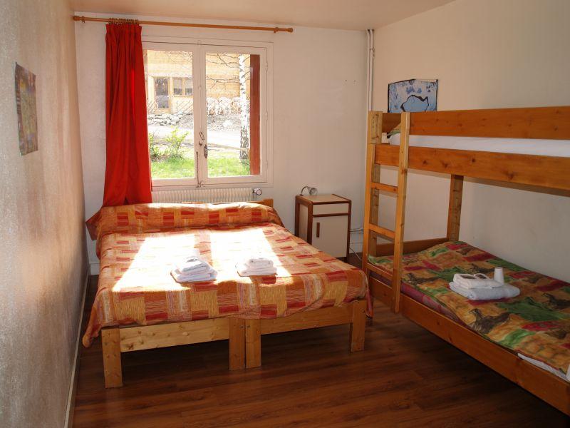 Location de gite luchon appart 39 hotel de 10 places 2 for Chambre communiquante