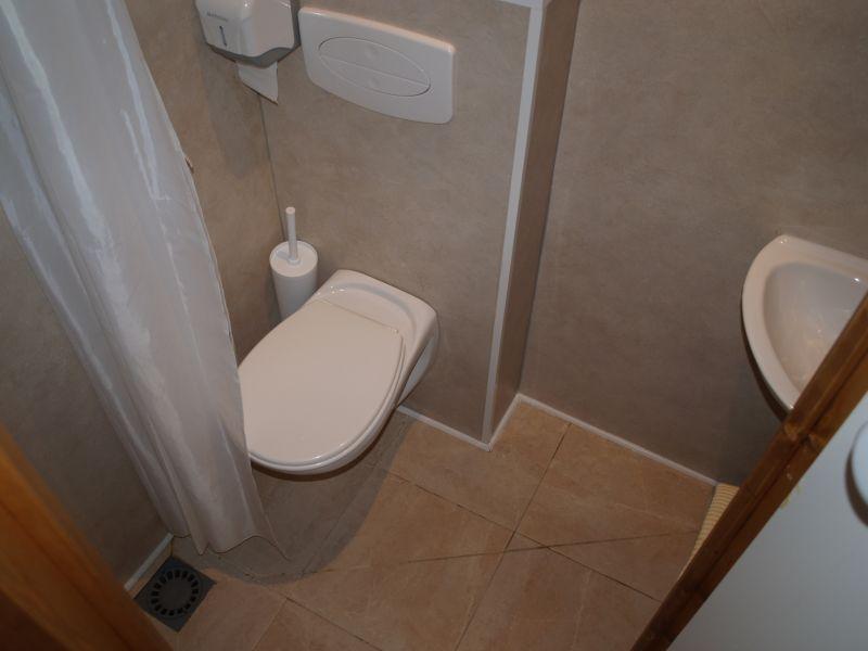 chalet dans les pyr n es chalet du petit cureuil 2 4 places en 2 pi ces. Black Bedroom Furniture Sets. Home Design Ideas