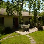 1: Vue extérieure avec terrasse
