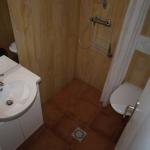 5: salle d'eau: douche en siphon de sol