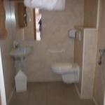 9: Salle d'eau avec douche en siphon de sol